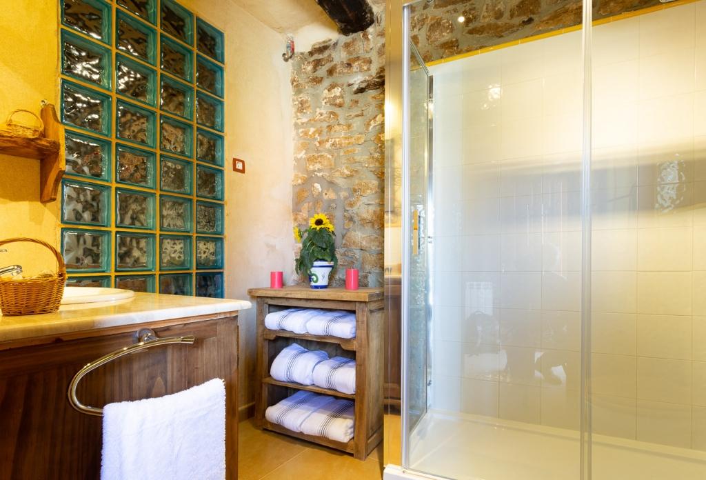 baño casa rural cantabria